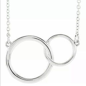 Jewelry - Interlocking Circle Necklace
